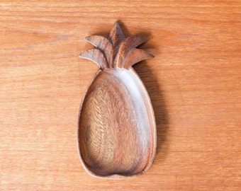 Hibiscus wood pineapple tray vintage monkeypod wood