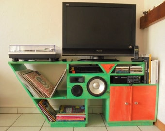 TV unit with speakers