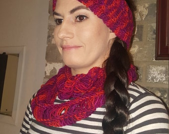 Vibrant reds lambs wool cowl