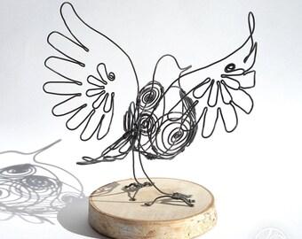 Bird - Iron wire sculpture