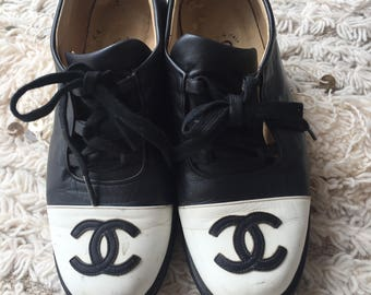 Vintage CHANEL CC Logo Leather Sneakers Trainers Tennis Shoes Lace Ups size 6.5 - 7