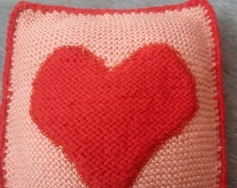 Decorative knitted pillow