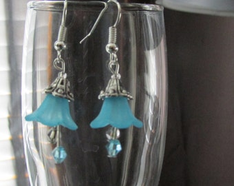 Lucite Flower Earrings - Aqua or Green