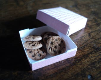 Miniature cookies with box, 1:12th scale