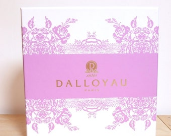 Box catering DALLOYAU Parma pink and white french caterer box white & pink parma