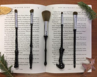 5 Piece Wizard Wand Makeup Brush Set - Black or White - Inspired by Harry Potter