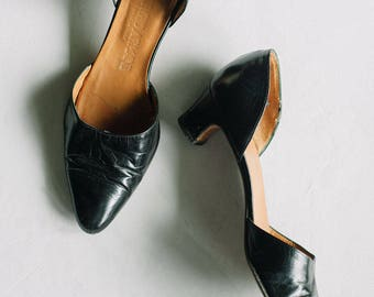 Vintage Authentic Giorgio Armani Pumps / Soft Leather High Heel Pump Shoes Size 38 1/2, 8 / Armani d'Orsay Heels / Black sz 8 Armani Heels