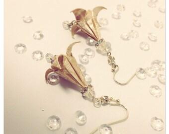 Dainty Lily Earrings