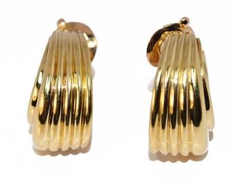 Earrings yellow gold 18K, Van Cleef And Arpels
