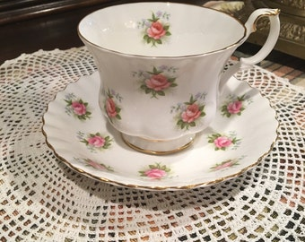 Vintage Royal Albert bone chona Forget me no Roses Tea cup and saucer. Perfect condition
