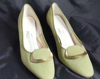 Vtg Cosmopolitan Sage Green Suede High Heel Shoes Sz 8 AA