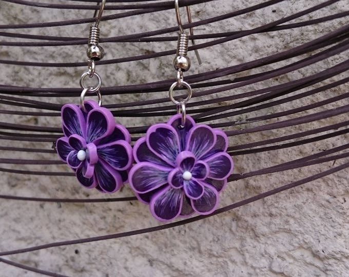 Earrings violet and purple LILACS, in polymer clay flower mounted on silver silver metal (sculpey)