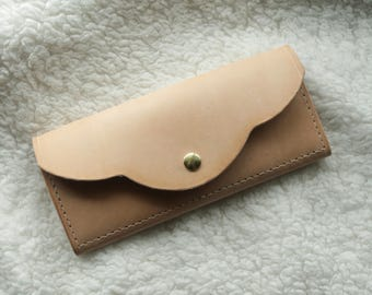 Slim Scallop Wallet