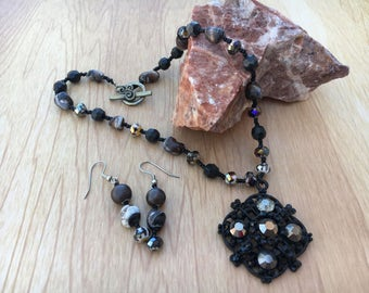Black, bronze glass beaded necklace & pendant with matching dangle earrings