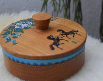 Hand painted horse box, Vintage Wooden box, Vintage Wooden Horse Box, Folk ornament box, Wooden Folk box, Wooden Horse box, Jewelry Box