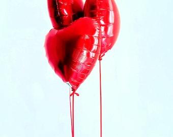 Box 3 balloons red heart