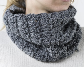 Handmade Crochet wool neck warmer, grey color, to use instead of the scarf.