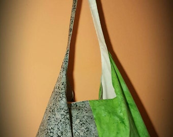 Pretty two-tone green tote