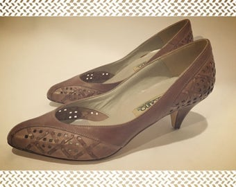 Vintage Bandolino Brown Woven Leather  Kitten Heel Shoes