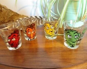 VINTAGE NOVELTY Roving Eyes 3D Set Of 4 Shot Glasses Barware With Sayings