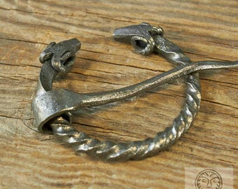 Penannular, Viking Brooch, Fibula Viking, Pin Viking, Medieval Brooch, Costume Reenactment, LARP, SCA, Ram Jewelry, Medieval Clasp, Forged