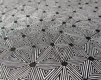 Print a drawing motif of stripes
