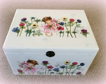 "Memory or toy chest ""Little Anemone Girl"""