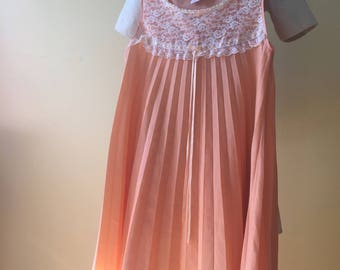 Vintage cantaloupe pleated with lace & trim nightie
