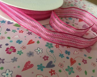 Sheer wired fuschia pink ribbon, 15mm wide, by 1m lengths