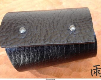 Long black leather cuff, lined, luxurious