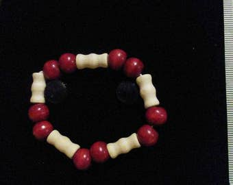 Berries and Branches Wooden Bracelet