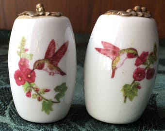 2 Vintage Ceramic Hand Painted Light Fan Pulls with Humming Birds