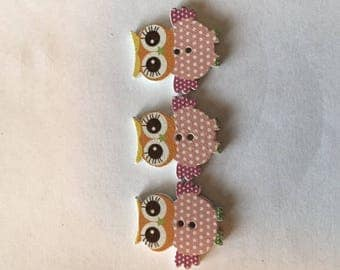 Owl Shaped Wood Two Hole Buttons Sku:0032