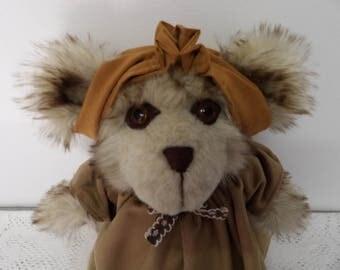 Teddy Bear Thora, handmade teddy bears , soft plush creations, OOAK bears, teddy bear gifts