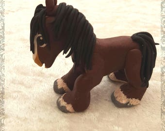 Adorable Humphrey the horse needs someone to love him. Made from polymer clay and measures 7 x 7cm