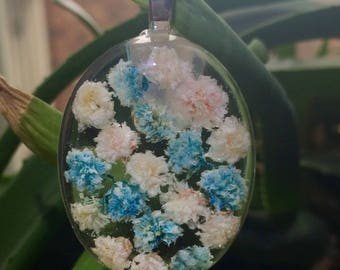 Blue and white baby's breath stripped