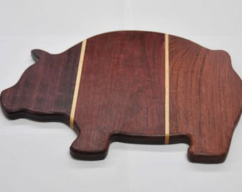 "Pig Cutting Board - Cheese Board - Carving Board - ""LIL SQUEALER"""