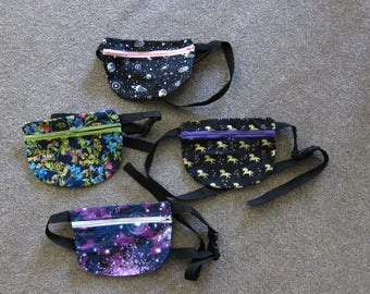 Lightweight fanny pack, waist pack, bum bag, dog walking bag