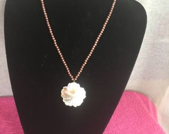 Pendant Pearl flower series Chantal N 6