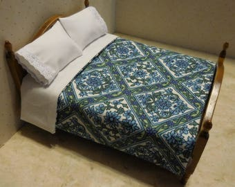 Free US Shipping! Miniature Blue & Green Dollhouse Mini Bedspread and Pillows #6356