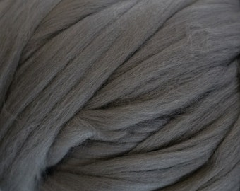 Merino Top Silver/Dark Grey Ashland Bay 2 Ounces