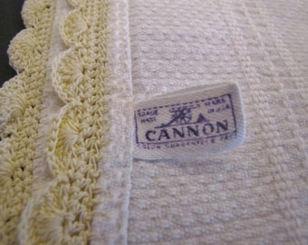 Dish Towel White with Pale Yellow Crocheted trim,,Linen Huck Cannon
