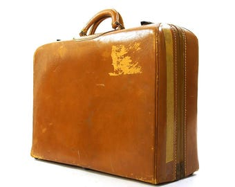 50s Leather Suitcase / Vintage 1950s Distressed Brown Hard Sided Carry On Steampunk Travel Case with Divided Compartment