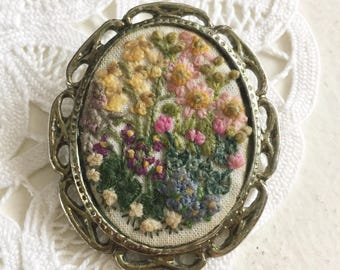 Vintage Floral Garden Embroidered Hand Stitched Needlepoint Pin Brooch Lapel