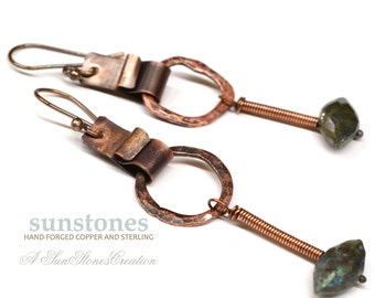 Hammered Rustic Copper Earrings with Labradorite E984