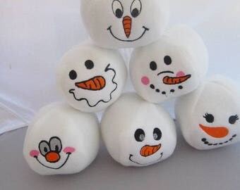 Embroidered Snowball Faces Design