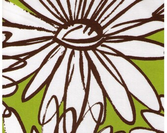 HALF YARD Yuwa - Extra Large Sketched Daisies on Green - Suzuko Koseki - Flower, Floral, Large Scale - Japanese Import Fabric