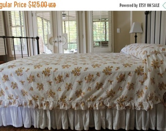 HOLIDAY SALE - Vintage Cotton Plisse Bedspread - Yellow Flowers on White with Ruffles - Cottage Chic - Full or Queen Coverlet - New - Unused