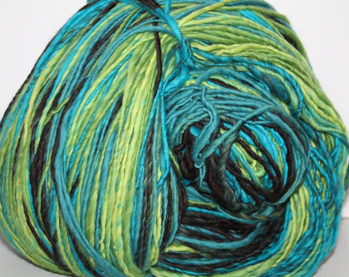 Handspun Merino Wool Yarn.  Single Ply Worsted Weight. Self Striping. Huge Skein. 2lbs 3oz. 1250 yards