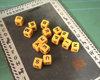 Free shipping Lot of Spill N Spell bakelite dice Letters Typography